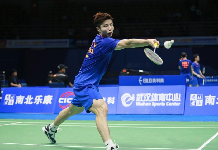 Shi Yuqi of China en route to his win against Sameer Verma of India.