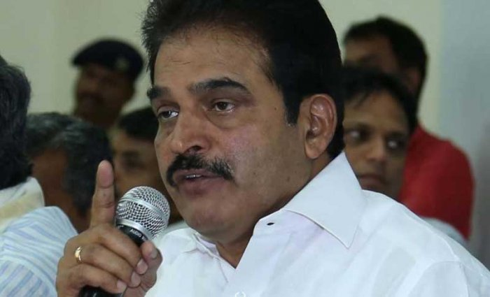 Top leaders and ministers discussed strategy for the crucial bypolls in a meeting chaired by AICC general secretary in-charge of Karnataka K C Venugopal. (DH File Photo)
