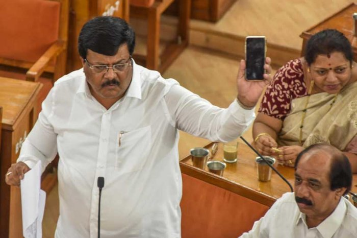 Opposition leader Padmanabha Reddy. (DH Photo)