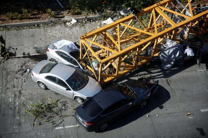 Four dead, four injured in Seattle crane collapse | Deccan