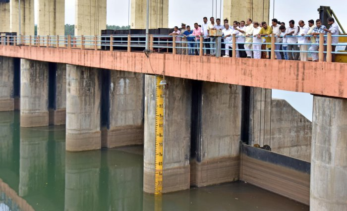 District In-charge Minister U T Khader visited the Thumbe vented dam on Sunday to inspect the water level.