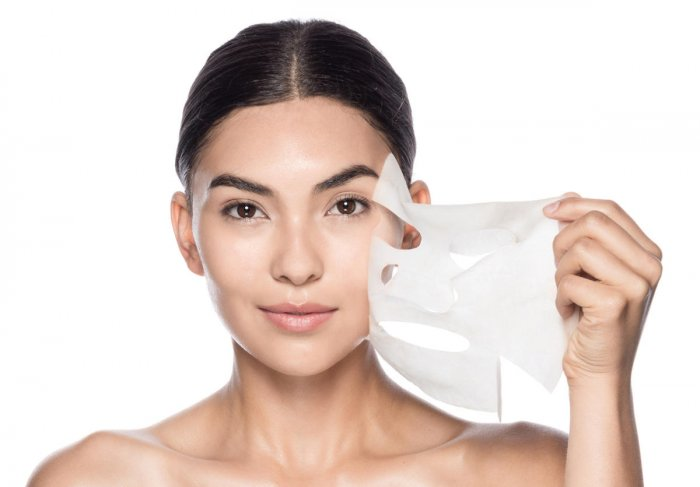 Face masks not only improve the overall appearance of your skin, but they can also be quite therapeutic.