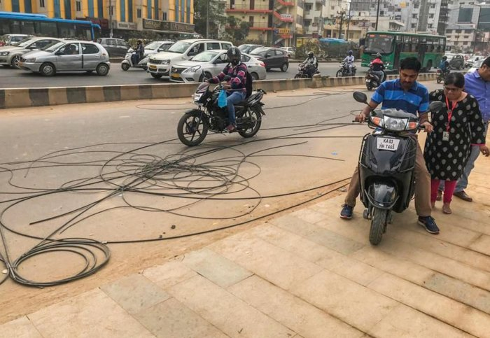 The BBMP has now removed OFCs on either side of the roads in Bellandur, Kasavanahalli, Sarjapur Main Road, Haralur Road among other areas. The cumulative length of the roads cleared of the cables is 20 km.