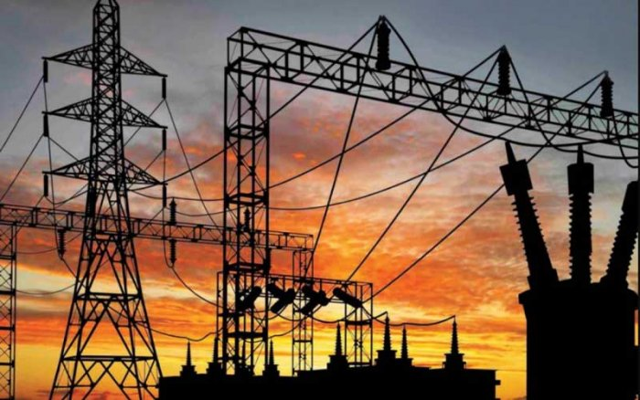 The maintenance is to prepare the ground for the forthcoming monsoon season, which Bescom could not carry out earlier due to elections and exams for schools and colleges. (DH File Photo)