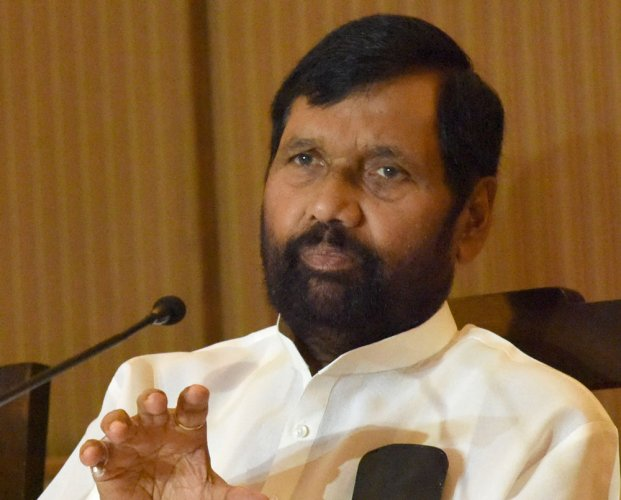 """Paswan's praise for Congress and ridicule for RJD, particularly Lalu, is seen as an attempt to drive a wedge between the two important allies of Mahagatbandhan. """"Even today, Congress is in favour of 10 per cent quota for the economically weaker sections among the upper castes, while the RJD has been opposing it,"""" said Paswan, in his attempt to widen the chasm. (DH file photo)"""