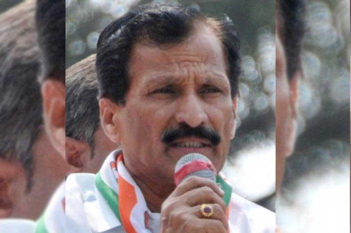 Congress' Tumkur MP S P Muddahanumegowda. (DH File Photo)