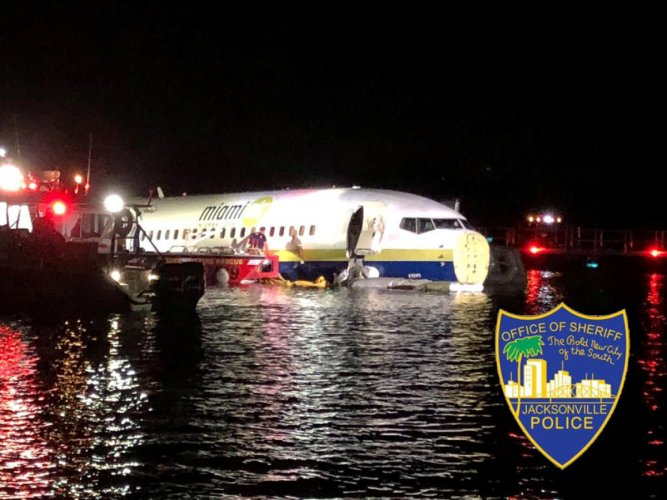 A Boeing 737 is seen in the St. Johns River in Jacksonville, Florida, U.S. May 3, 2019 in this picture obtained from social media. Reuters/Jacksonville Sheriff's Office