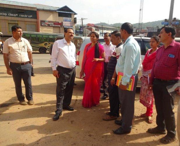 Revenue Department (Disaster Management) Principal Secretary Rajkumar Khatri inspects the old bus stand areain Madikeri.
