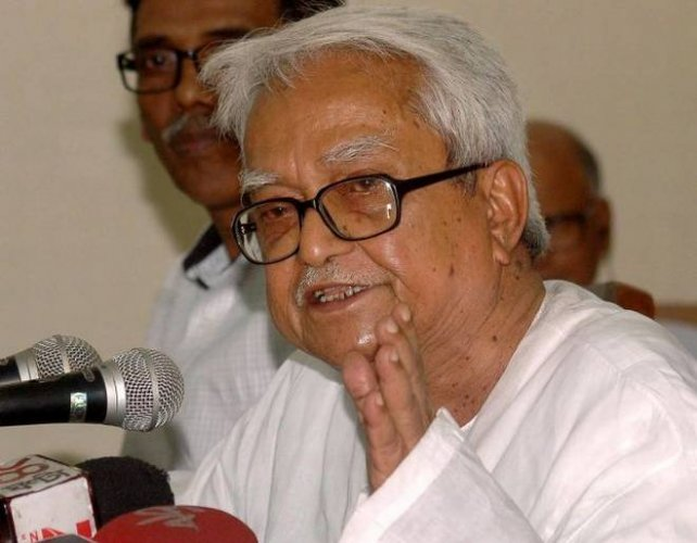 """Left Front chairperson Biman Basu claimed that """"money bags"""" have played a key role in the collapse of the talks. (Image courtesy Twitter)"""
