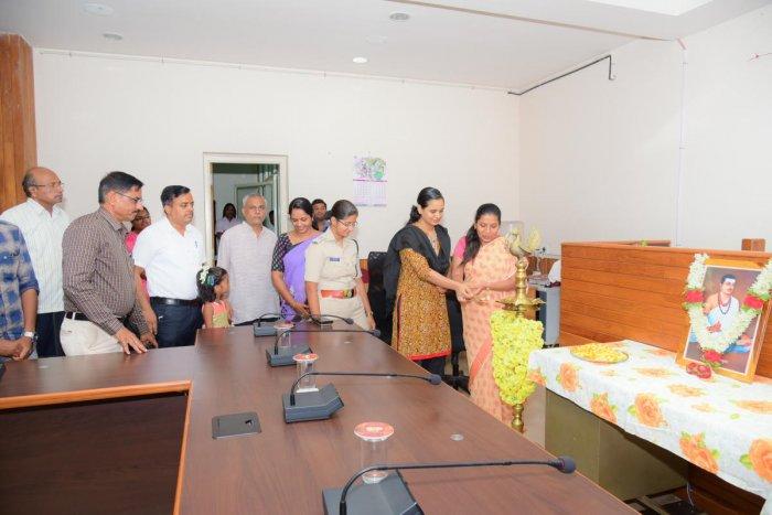 DC Hephsiba Rani Korlapati and ZP CEO Sindhu Roopesh inaugurate Basava Jayanti programme in Udupi on Tuesday.