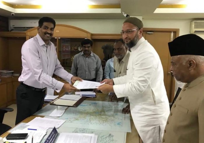 AIMIM chief Asaduddn Owaisi files his nomination as candidate in Lok Sabha election.