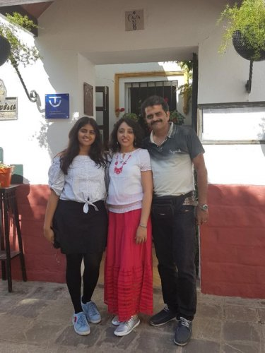 Sanjana (extreme left) with her parents Shilpa and Jayanth Rudra.