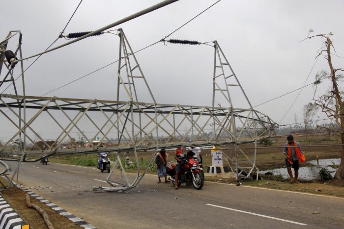 Efforts are on to restore electricity, water supply and telecom facilities even as large number of areas remained in the dark for the eleventh day since May 3. (PTI Photo)