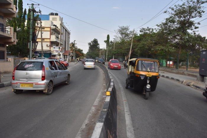 BBMP road widening on Madiwala tank bund road in Bengaluru. DH Photo/Janardhan B K