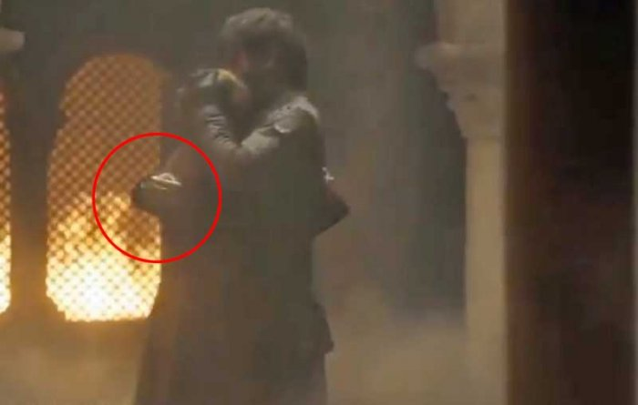 """Jaime Lannister's right hand, which had been severed in the season three of the HBO series, made a reappearance in a a promotional photo of the show's latest episode """"The Bells""""."""