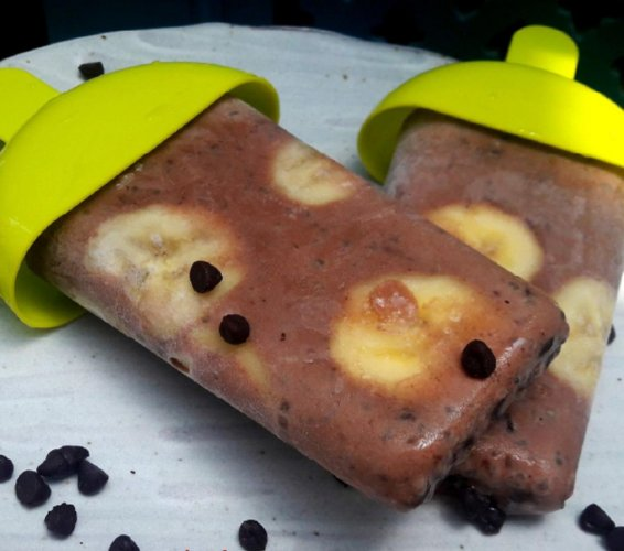 Chocolate chia popsicle