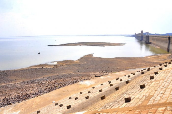 The Tungabhadra dam in Hosapete, Ballari district, has only three tmcft of water. According to officials, if the present temperature prevails, this water may be lost through evaporation. DH Photo/Shashikanth S Shembelli