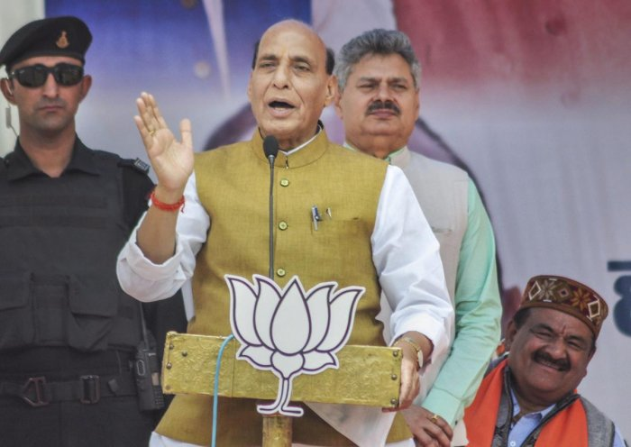 Kullu: Union Minister and BJP leader Rajnath Singh address an election rally ahead of the last phase of the Lok Sabha polls, in Kullu district, Thursday, May 16, 2019. (PTI Photo)