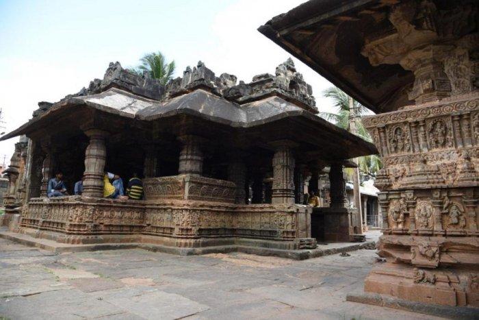 Trikuteshwara Temple Complex