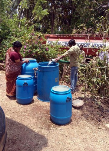 Water supplied to wards through tankers in Udupi.