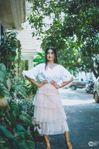 Krishi Thapanda will soon be seen in films 'Blank', 'Lanke' and 'Baraate'.
