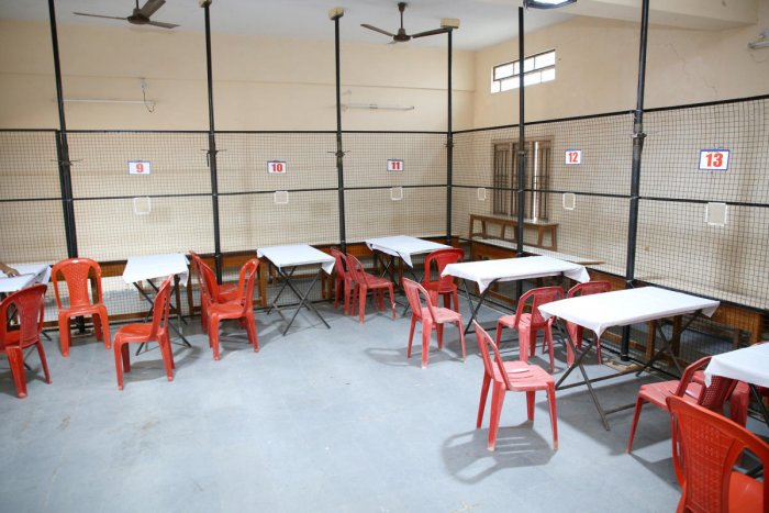 Counting tables have been arranged at a centre in Raichur. (DH Photo)