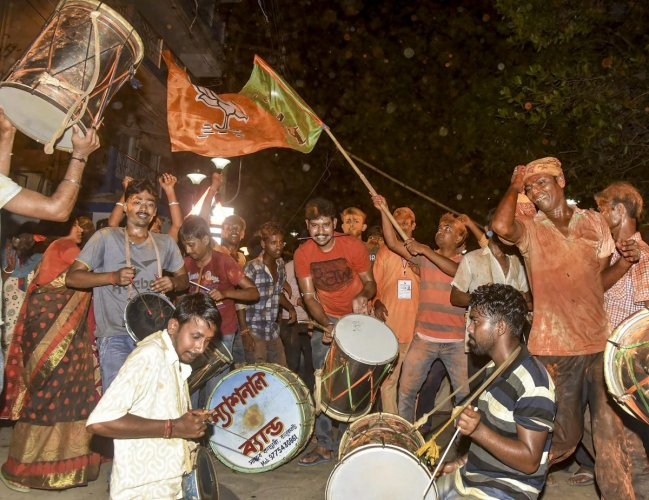 BJP workers and supporters celebrate party's victory in the Lok Sabha elections 2019. (PTI Photo )