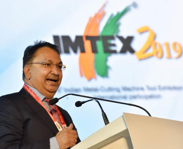 Vikram Kirloskar, Vice President - Confederation of Indian Industry (CII) addressing at the inauguration of IMTEX 2019 & Tool Teck 2019 exhibition, at the Bangalore International Exhibition Centre (BIEC), in Bengaluru. (Photo: B H Shivakumar)