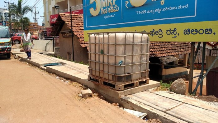 A water tank, installed near Mallikatte Circle to help ongoing civic works, has become a breeding ground for mosquitoes in Mangaluru.