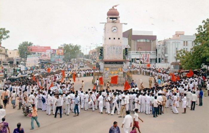 heritage: Dufferin Clock Tower in Mysuru; clock tower in Ballari; clock tower at Bengaluru Central University;old clock tower in Mangaluru; clock tower work in progress in mangaluru; Dodda Gadiyara in Mysuru. dh photos by savitha b r, b h shivakumar, govi