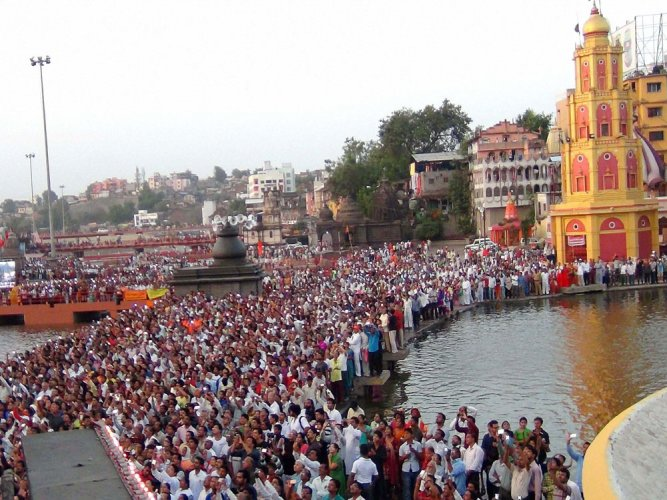 Akhara Council decides to ban use of plastic in Kumbh Mela