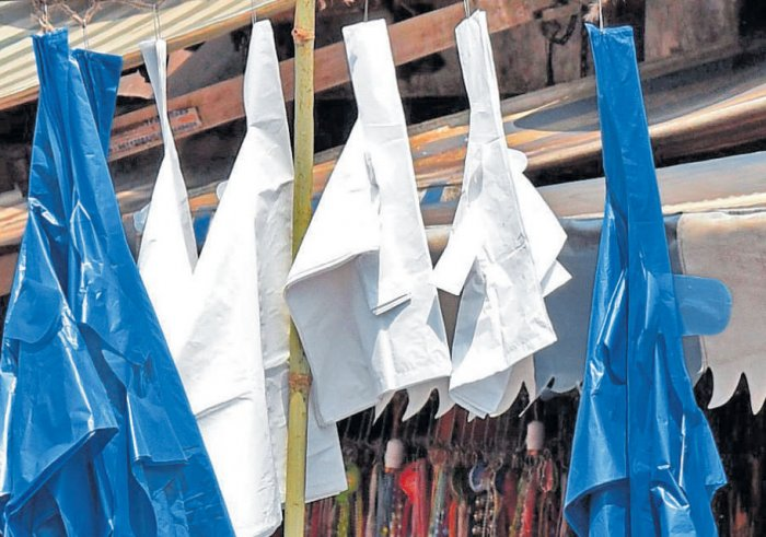With the lifting of the poll code, the Bruhat Bengaluru Mahanagara Palike (BBMP) is preparing to act decisively against factories making thin plastic bags. DH file photo