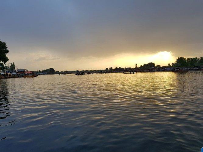 Sunset over the Dal Lake. Picture credit: Kavya Rai