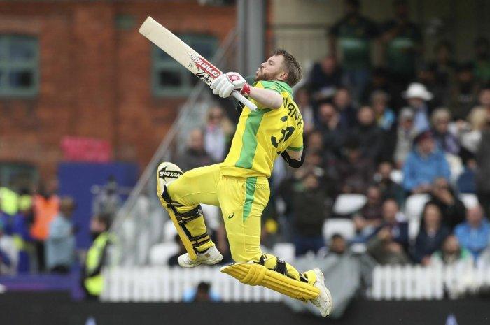 Aussies beat PakDavid Warner stars in 41-run win