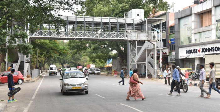 The skywalk on Raja Ram Mohan Roy Road was built by Adonai Shelters. DH PHOTO/Janardhan B K