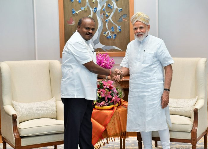 Karnataka Chief Minister H D Kumaraswamy met Prime Minister Narendra Modi in New Delhi on Saturday and discussed the state issues.