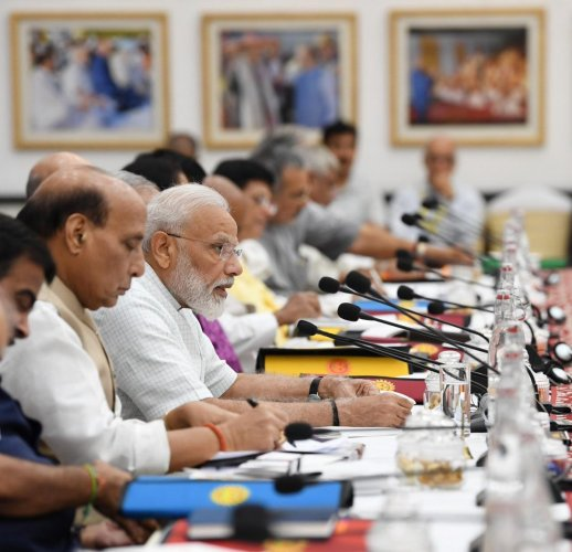 Prime Minister Narendra Modi is chairing the meeting, which is being held at Rashtrapati Bhavan. (Image courtesy Twitter/@NITIAayog)
