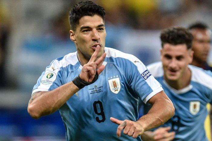 Uruguay's Luis Suarez celebrates after scoring against Ecuador during their Copa America football tournament group match at the Mineirao Stadium in Belo Horizonte, Brazil, on June 16, 2019. (AFP)