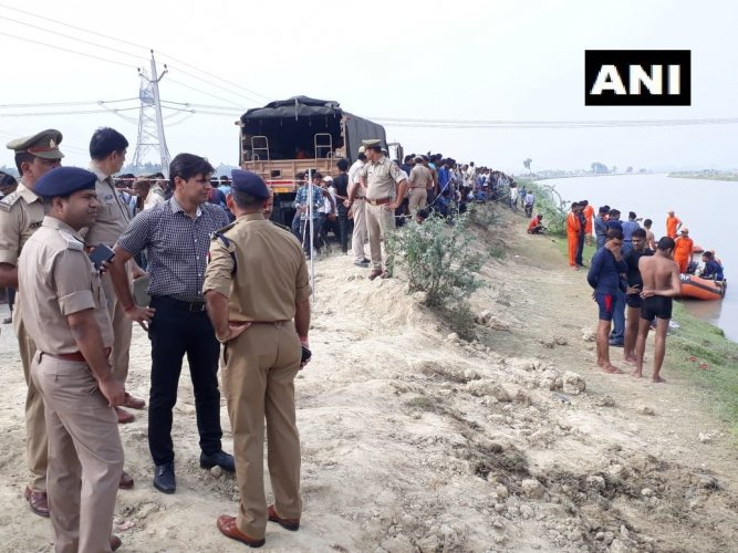 The van carrying 29 people, who were returning from a marriage ceremony, fell into the canal late Wednesday night, Lucknow District Magistrate Kaushal Raj Sharma said, adding that 22 of them have been rescued. (ANI/Twitter)