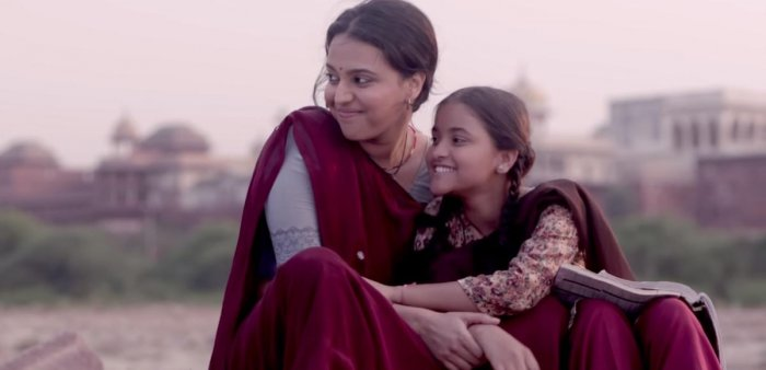 In the Hindi film 'Nil Battey Sannata', Swara Bhaskar is a single mother raising her daughter by working as a housemaid.