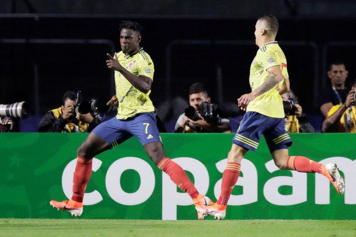 Colombia's Duvan Zapata celebrates scoring their first goal. (REUTERS)