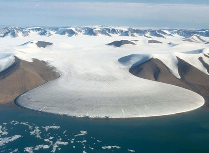 Scientists have discovered 56 previously uncharted subglacial lakes beneath the Greenland Ice Sheet bringing the total known number of lakes to 60. (DH Photo)