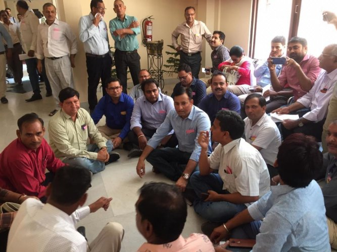 Journalists in Jaipur protesting against the order that restricts their entry in the assembly premises.