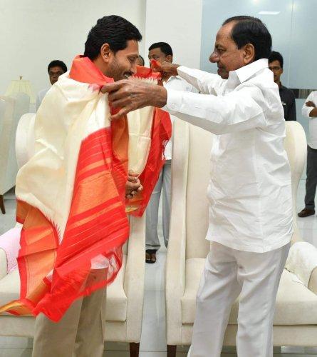 Telangana Chief Minister K Chandrasekhar Rao and AP Chief Minister YS Jaganmohan Reddy