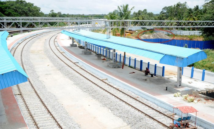 South Western Railways has doubled and commissioned 222 km of railway line in 2017-18 and this year, it has plans to double more than 250 kms of track. DH File Photo