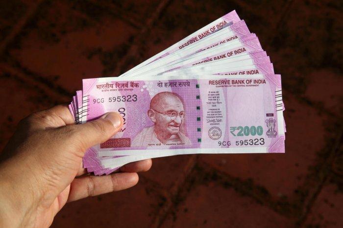 Close up of Indian 2000 rupee notes. (Thinkstock Photo)