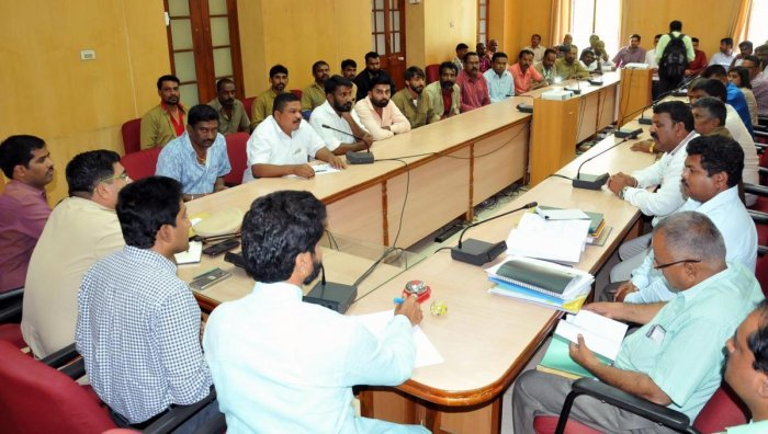 Chikkamagaluru MLA C T Ravi at a meeting on autorickshaw drivers issues in Chikkamagaluru on Monday.