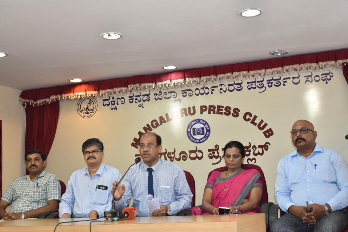 Indian Medical Association-Mangaluru branch President Dr B Sachidanand Rai condemned Zilla Panchayat President Meenakshi Shanthigodu for abusing an on-duty doctor and demanded a public apology, at a press conference in Mangaluru on Tuesday.