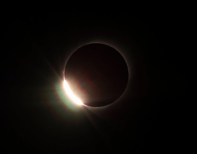 The diamond ring effect is seen during the total solar eclipse from El Molle, Chile. (AFP Photo)