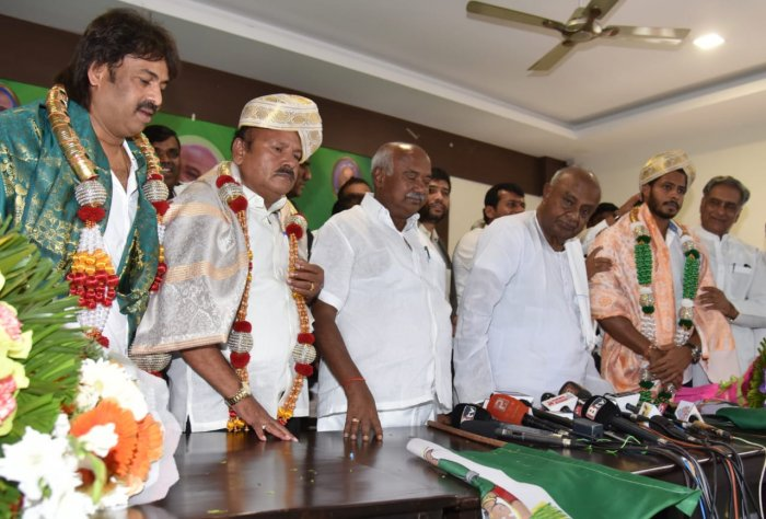 Kumaraswamy, a Dalit, is a 5-time MLA who currently represents the Sakleshpur assembly constituency. He replaced H Vishwanath, who resigned last month owning responsibility for the party's defeat in the Lok Sabha polls. (DH Photo)